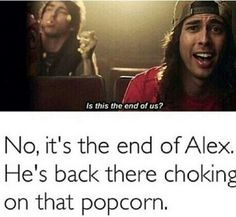 Haha a love like war all time low featuring vic Fuentes