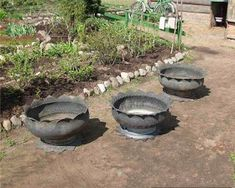 Making flower pots or planters out of old tires. With a bit of paint these could be really pretty. Garden Crafts, Garden Projects, Tire Art, Tyres Recycle, Used Tires, Flower Pots, Flowers, Flower Making, The Great Outdoors