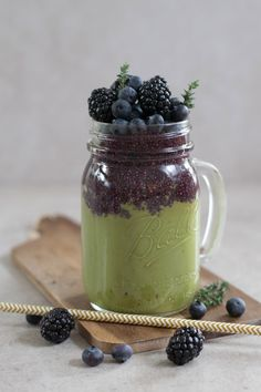 Matcha Smoothie Matcha Smoothie, Mason Jars, Tea, Mugs, Tableware, Inspiration, Biblical Inspiration, Dinnerware, Tumblers