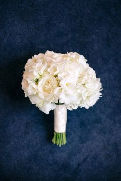 To see more stunning details about this wedding: http://www.modwedding.com/2014/11/18/traditionally-beautiful-oregon-wedding-gh-kim-photography/ #wedding #weddings #bridal_bouquet photo: GH Kim Photography