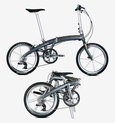 DAHON folding bike = my lovely bike Dahon MUSL xxx - how convenient! Folding Electric Bike, Folding Bicycle, Mountain Bike Shoes, Mountain Bicycle, Motorcycle Helmets, Bicycle Helmet, Mtb Shoes, Bicycle Brands, Bike Trailer