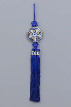 Traditional Korean Accessories   Blue Chrysanthemum No-ri-gae
