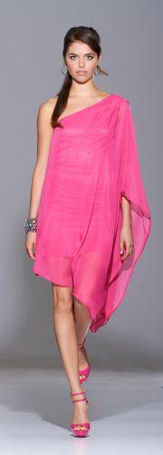 This would also look beautiful in saree  fabrics. Ests modelo está lindo para usarse con telas de sari ;) @Gena Escobedo