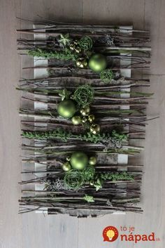 An interesting idea for Christmas wall decoration ~ Christmas Flowers, Natural Christmas, Noel Christmas, Rustic Christmas, All Things Christmas, Vintage Christmas, Christmas Wreaths, Xmas Crafts, Christmas Projects