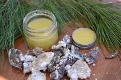 Did you know pine resin has been used historically for topical wound care? A poultice of the resin was applied to wounds, inflammations and abscesses, used to draw out the poison from boils, and used as the base for salve. Learn how to make pine resin salve for your first aid kit!