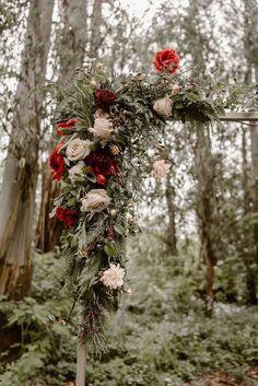 fall floral outdoor wedding arch ideas - perfect colours for a rustic barn wedding #weddingideas