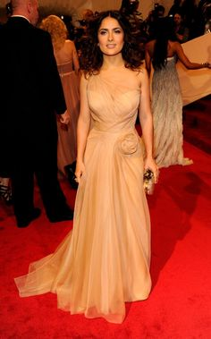 Pin for Later: See 100+ Insanely Gorgeous Looks From Met Galas Past Salma Hayek
