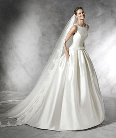 Pronovias Barraza is a Princess bridal dress with bateau neckline and low waist in mikado. Bias detail with bow at the waist for a belt effect. Princess Style Wedding Dresses, Chic Wedding Dresses, Princess Bridal, Wedding Dress Styles, Bridal Dresses, Wedding Gowns, Bridesmaid Dresses, 2017 Wedding, Prom Dresses