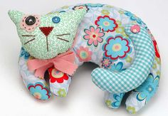 Resting cat pincushion - he is too cute to stick with pins.......