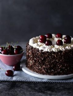 Proper Black Forest gateau forest Cake Black forest gateau recipe by Eric Lanlard British Baking, British Bake Off, Baking Recipes, Cake Recipes, Dessert Recipes, Cookies Et Biscuits, Let Them Eat Cake, Yummy Cakes, No Bake Cake