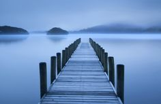 PHOTOWALL / Blue Hour at the Lake (e24809) | 輸入壁紙専門店 WALPA