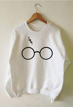 Harry Potter Sweatshirt Lightning Glasses Sweater by Tmeprinting Mode Harry Potter, Harry Potter Outfits, Harry Potter Sweatshirt, Cute Casual Outfits, Outfits For Teens, Girl Fashion, Fashion Outfits, Punk Fashion, Lolita Fashion