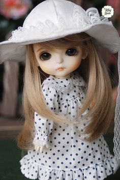 Polka Dot Dress with Vintage White Hat Cartoon Girl Images, Cute Cartoon Pictures, Girl Cartoon, Beautiful Barbie Dolls, Pretty Dolls, Cute Baby Dolls, Cute Babies, Cute Small Girl, Cute Girl Hd Wallpaper