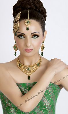 http://www.indianjewellerystore.co.uk/Jewellery-Images/Indian-Bridal-Jewellery-Polki/polki-007.jpg