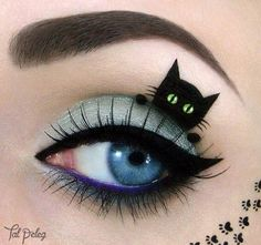 like the color of the eyelid...