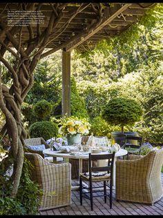 "Richard Mishaan"" from ELLE Decor, June 2017. Outdoor Areas, Outdoor Rooms, Outdoor Living, Outdoor Decor, Pergola Patio, Backyard Patio, Backyard Landscaping, Pergola Kits, Wisteria Pergola"