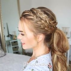 37 Dutch Braid Hairstyles - Braided Hairstyles With Tutorials On the basis of a simple braid, you can create both everyday and evening hairstyles with your own hands. Below are step-by-step instructio Evening Hairstyles, Easy Hairstyles For Long Hair, Box Braids Hairstyles, Short Hairstyles, Hairstyle Ideas, Hairstyle Braid, Hair Ideas, Wedding Hairstyles, Natural Hairstyles