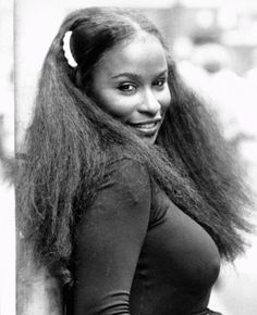 Chaka Khan @Fayne Leisy Biz Mentor.com : Grammy Award winner Chaka Khan vocalist for the group Rufus and to later spear head her own group Chaka