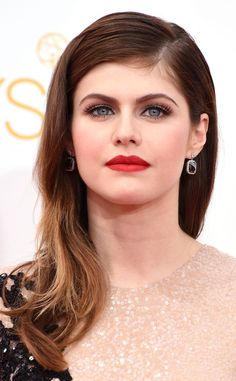 Alexandra Daddario's red lips are perfection! Love this Emmys look!