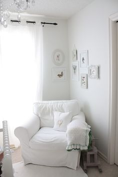 Corner wrapped gallery wall