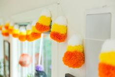 13 Unbelievably Adorable Halloween Decorating Ideas You Still Have Time to Do: Pom-pom play Halloween Candy, Fall Halloween, Halloween Crafts, Halloween Ideas, Happy Halloween, Halloween Scene, Haunted Halloween, Halloween Stuff, Halloween Nails