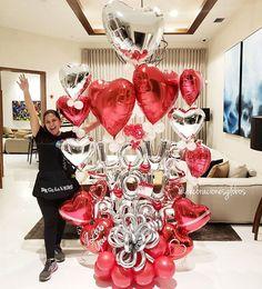 """BalloonsDecorations By_Nieves en Instagram: """"Love You Babe 🙆🏼♀️🙆🏻♀️😱 Desde ya tenemos un montón de entregas por Valentine's ¡Seguro una es para ti 😍! . Diseño exclusivo de @by_nieves CEO de…"""" Valentines Balloons, Valentines Flowers, Birthday Balloon Decorations, Valentine Decorations, Balloon Bouquet, Balloon Arch, Love You Babe, Balloon Gift, 4th Of July Wreath"""