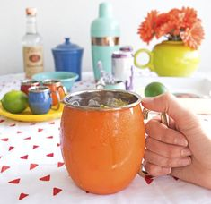 Nothing says summer like backyard get-togethers with good conversation, and ice-cold cocktails. Our personal drink of choice during these warm summer evenings is a classic Moscow Mule, served in our oh-so-adorable Fiesta copper mugs (a must for Mules)! Ou