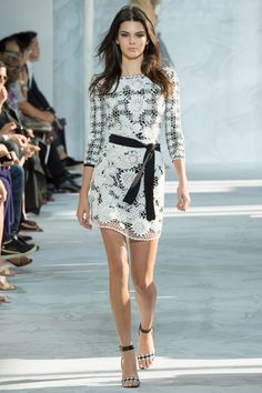 Diane Von Furstenberg Spring 2015 Ready to Wear This is so light and pretty, clean cut and feminine. Love it!