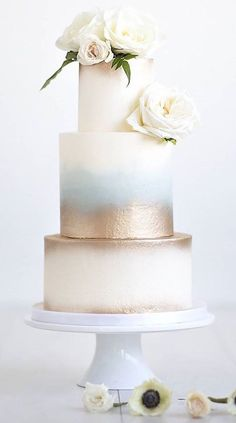 Hints of gold and blue softly fade into a creamy white in this ethereal cake design by Nicole McEachnie. Gorgeous Cakes, Pretty Cakes, Amazing Cakes, Bolos Naked Cake, Kreative Desserts, Bolo Cake, White Cakes, Blue Cakes, Wedding Cake Inspiration