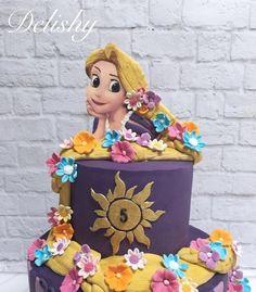 My first rapunzel cake I enjoyed making it