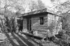 Larch Cabin photographed by Gavin Joynt.