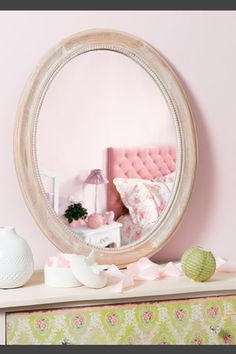 Mix-and-match furniture & decor Unique Mirrors, Eclectic Decor, Shabby Chic Decor, Wall, Inspiration, Furniture, Home Decor, Natural, Mirror Mirror
