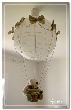 """Luminaire """"Montgolfière"""" avec une boule japonaise"""