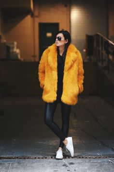orange, faux, fur, jacket, fall, streetstyle, inspo
