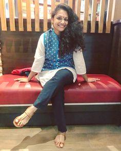 Ethnic dressing - Basics! ♥️ #whatmysisterwore #indianwear #indianblogger #fashionblogger #fashion #fashionblog #indialove #cotton #jacket