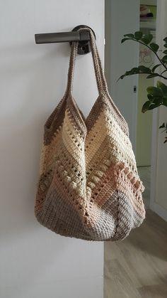 본문 이미지 Crochet Beach Bags, Bag Crochet, Crochet Market Bag, Crochet Clutch, Crochet Rope, Crochet Handbags, Crochet Purses, Crochet Motif, Crochet Classes