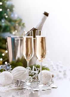 Photo about New Year Celebration. Two Champagne Glasses. Image of celebration, cheers, blue - 22472937 Christmas Frames, Christmas Colors, All Things Christmas, Creative Typography Design, Happy New Year Quotes, Birthday Wishes Quotes, Winter Wonderland Party, New Year Celebration, Nouvel An