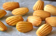 Madeleines au citron et vanille Weight watchers, une recette des madeleines légère facile et simple à réaliser chez vous.