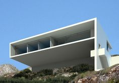 'House on Cliffside' by Fran Silvestre Arquitectos in Calpe. These are the types of properties i dream about. Minimalist Architecture, Architecture Plan, Residential Architecture, Concrete Architecture, Interior Design Images, Interior Design Boards, Modern Villa Design, Casa Clean, Amazing Buildings