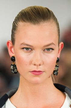 Pin for Later: Gisele, Cara, Kendall, and More Iconic Models Who Ruled Fashion Month Karlie Kloss at Oscar de la Renta Spring 2015