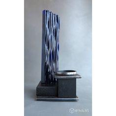 Наша третья модель подсвечника, наш тёзка – М3 ;) http://www.livemaster.ru/item/15538059-dlya-doma-interera-avtorskij-podsvechnik-ogranichennyj  Эту модель отличает использование цветного стекла, пламя свечи создает на нем невообразимо игривые отблески.  Подставка под свечу в этой модели исполнена в виде круга вписанного в квадрат что придает фундаментальности и основательности общей архитектуре изделия  ВНИМАНИЕ!!! Тираж всего пять экземпляров, каждый из которых сделан вручную.  серия…