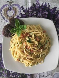 Spaghetti alla Carbonara   Szénégető módra 🇮🇪 Parma, Spaghetti, Foods, Ethnic Recipes, Food Food, Food Items, Noodle