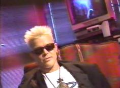 Tech Time Warp of the Week: Watch Billy Idol Get Hip to the Newfangled Internet in 1993