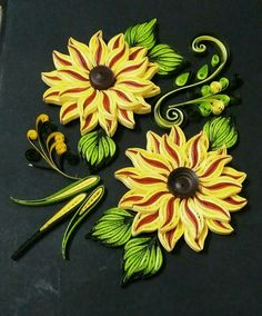 Sunflower Wall Decor, Quilling Flowers, Quilling Designs, 2d, Wall Art, Paper, Home Decor, Paper Crafting, Quilling
