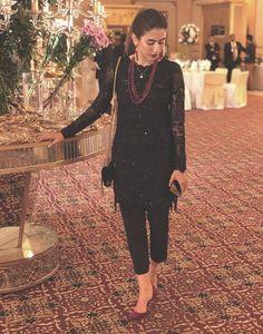 55 Ideas Fashion Quotes Black Clothes For 2019 Simple Pakistani Dresses, Pakistani Dress Design, Indian Dresses, Indian Outfits, Black Pakistani Dress, Pakistani Fashion Party Wear, Pakistani Wedding Outfits, Punjabi Fashion, Asian Fashion