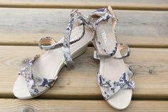 Comprinhas aleatórias Heels, Fashion, Heel, Shoes, Shopping, Moda, Fashion Styles, High Heel, Fashion Illustrations