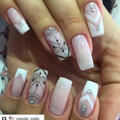 Salve este Pin e clique 2 vezes na foto, Receba mais de 100 ideias internacionais de unhas pintadas, Vc vai amar! Fun Nails, Nice Nails, Nail Art Designs, Glitter, Pretty, Beauty, Manicure Pedicure, Instagram Repost, Chocolates