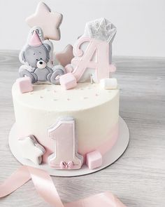 likes, 13 comments - Kuchen - 1st Birthday Cake For Girls, Baby Birthday Cakes, Baby Girl Cakes, Cake Baby, Drip Cakes, Savoury Cake, Fondant Cakes, Celebration Cakes, Baby Shower Cakes