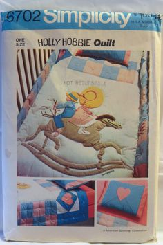 Simplicity 6702 Holly Hobby Pillowcase and Quilt for Crib and Youth Bed