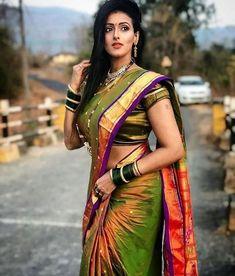 Beautiful Girl Indian, Most Beautiful Indian Actress, Beautiful Saree, Beautiful Women, Saree Wearing Styles, Saree Styles, Maharashtrian Saree, Marathi Saree, Saree Photoshoot